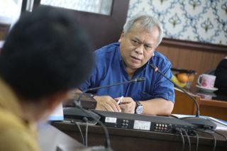 Bapemperda DPRD Kota Bandung melakukan rapat kerja terkait Persiapan Pembahasan Rancangan Peraturan Daerah (Raperda) Catur Wulan II Tahun 2021, di Ruang Rapat Bapemperda DPRD kota Bandung, Senin (21/6/2021).