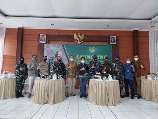 Sekretaris Komisi A DPRD Kota Bandung Erick Darmadjaya, B.Sc., menghadiri undangan kegiatan Bantuan Tunai Pedagang Kaki Lima dan Warung oleh TNI, di Wilayah Kodim 0618/BS Kota Bandung, Sabtu (9/10/2021).