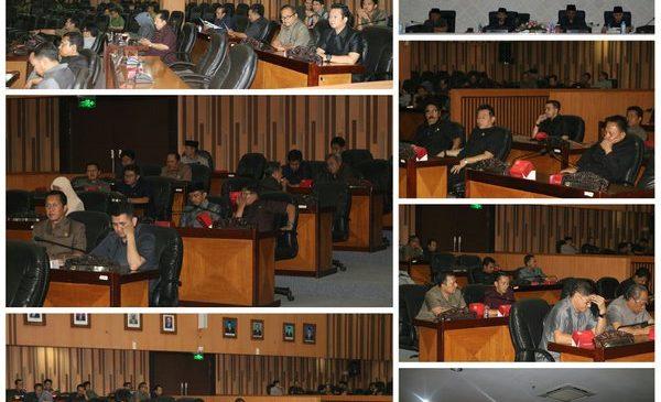 Rapat Paripurna membahas pandangan umum fraksi terhadap Lima Raperda Kota Bandung