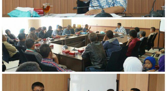 Ketua DPRD menerima audiensi warga Babakan Kejaksaan Kec Regol