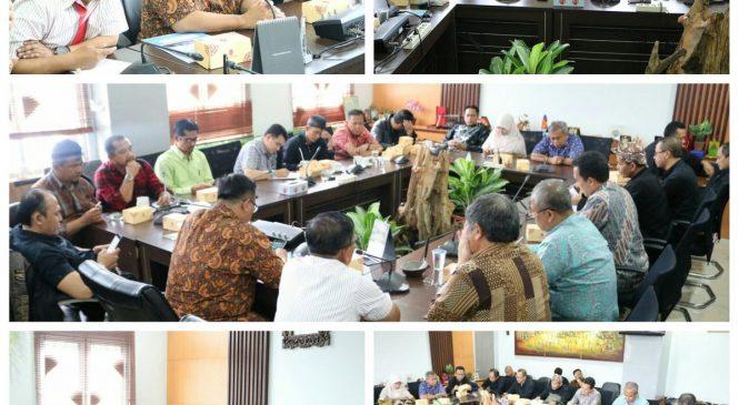 Rapat Gabungan Antara Komisi A dan Komisi D Bersama Dinas Pendidikan Kota Bandung