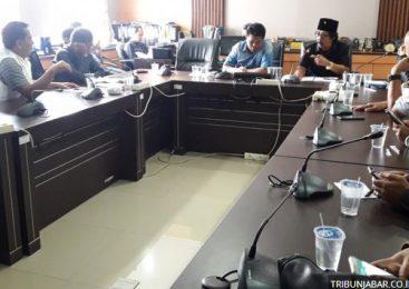 Para Pedagang dari Pasar Tradisional yang Berdemonstrasi Diterima Oleh Komisi B DPRD Kota Bandung
