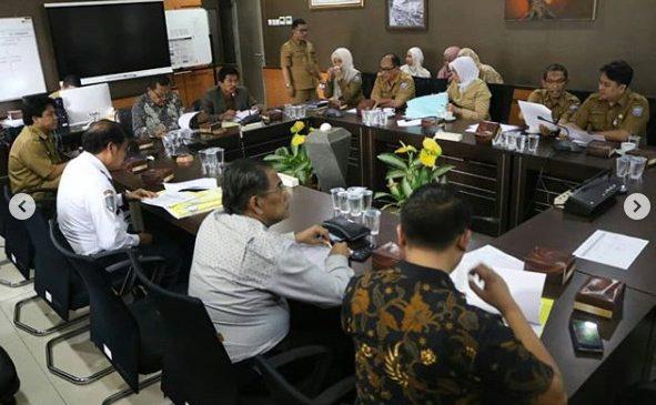 Rapat Kerja Komisi C Bersama Dishub dan Distaru terkait Evaluasi Program Kerja Tahun 2018 dan Program Kerja Tahun 2019.