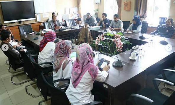 Ketua Komisi D bersama Disnaker Kota Bandung menerima Aspirasi dari Forum Komunikasi Potensi Masyarakat Kiaracondong