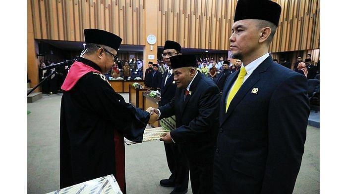 Sumpah Jabatan, Tiga Pimpinan DPRD Kota Bandung Masa Bakti 2019-2024