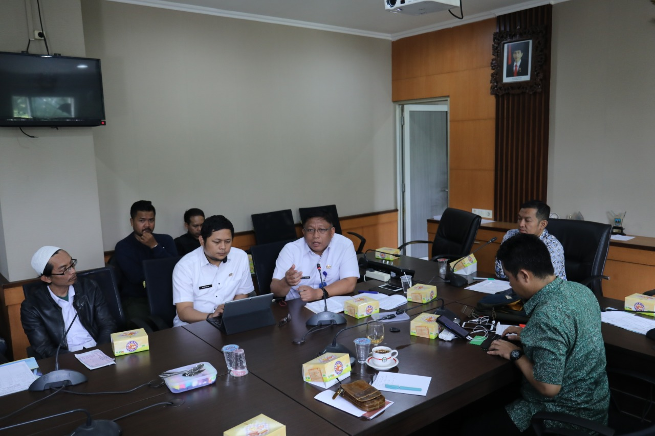 Forum Komunikasi Non-PNS Kota Bandung Sampaikan Aspirasi ke Komisi A
