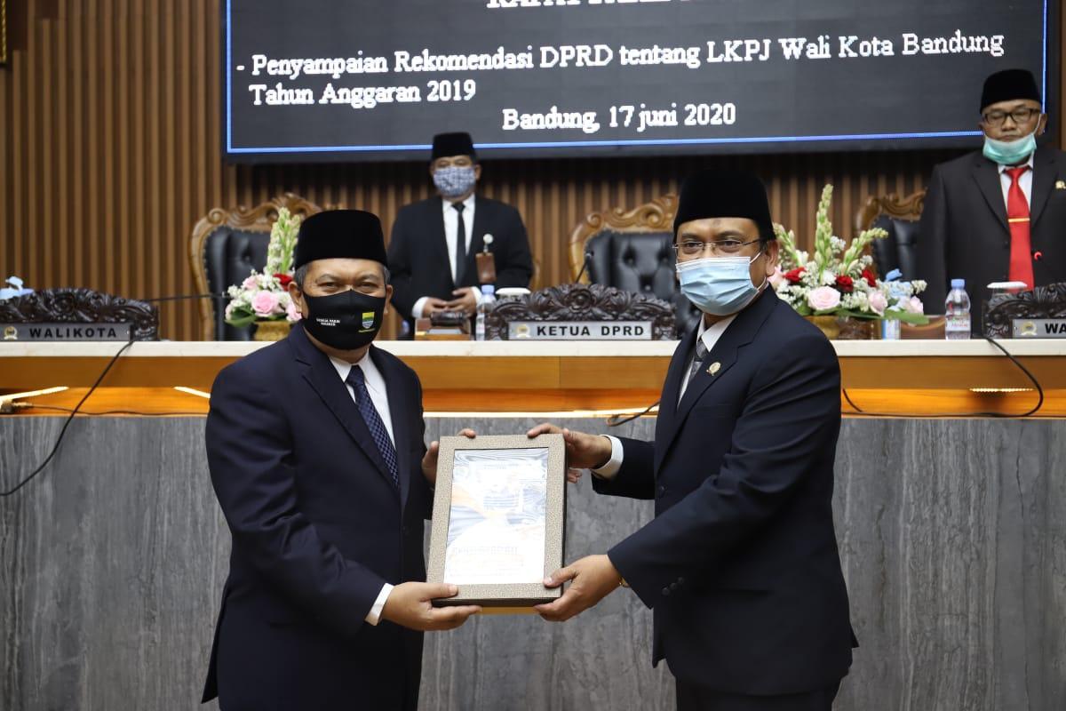 DPRD Sampaikan Rekomendasi Atas LKPJ Walikota Bandung Tahun Anggaran 2019